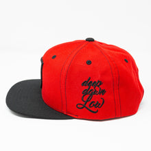 "Laden Sie das Bild in den Galerie-Viewer, K-Snapback ""Rot"""