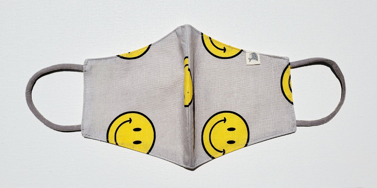 Linen, Smiley on Gray - MasKeith