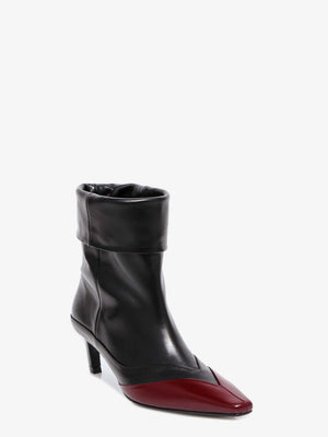 POINTED FRAME BOOTS