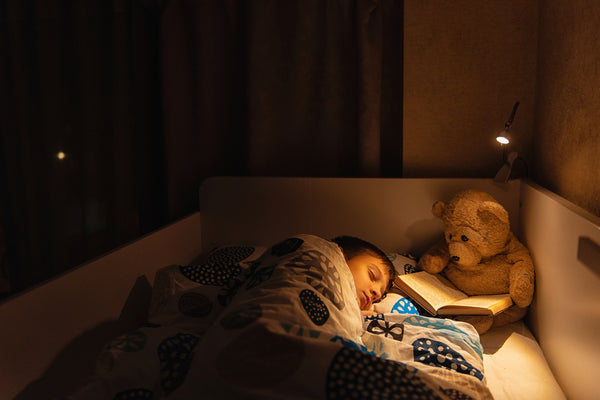 How to Use A Smart Light to Help Your Kids Sleep Faster?