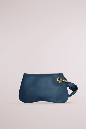 Load image into Gallery viewer, navy butter pochette, calf leather, pillow, cloud, butter, soft bag, butter pochette sand, Blame Lilac