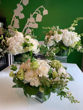 Load image into Gallery viewer, Alexandria florist Petal's Edge