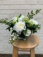 Load image into Gallery viewer, Floral arrangement available for delivery in Alexandria
