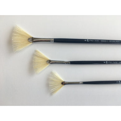 Series C Studio Hog Fan Brush