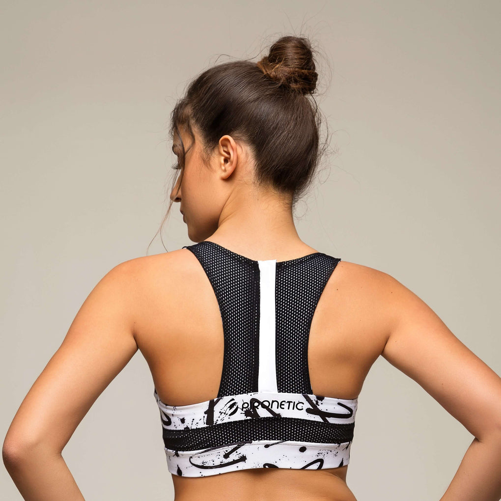 Monochrome Zipper Sports Bra | pironetic.com | Pironetic - an athleisure brand for active women | sportswear, activewear - leggings, wedges, tights, pants, jackets, t-shirts, tops, tanks, sports bras