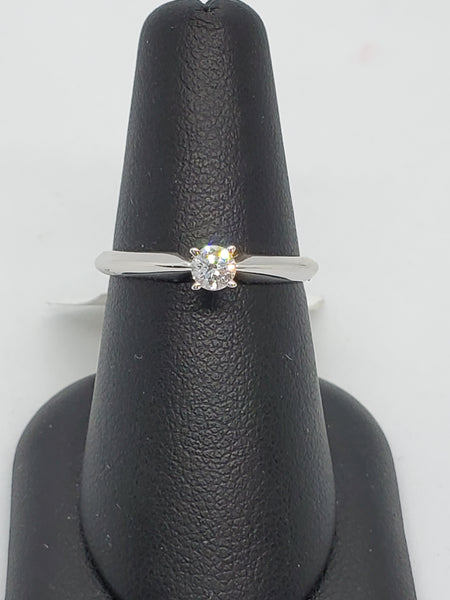 14K WHITE GOLD 0.19CT STARLIGHT DIAMOND ENGAGEMENT RING