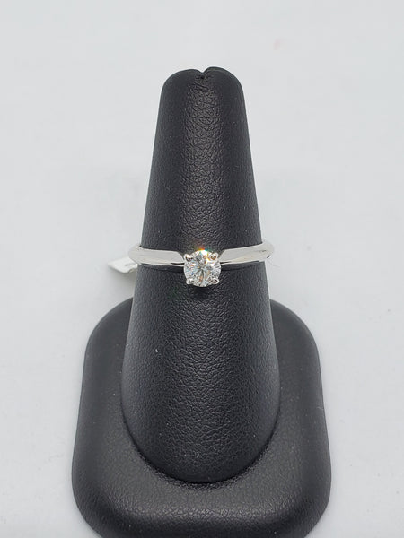 14K WHITE GOLD 0.38CT STARLIGHT DIAMOND ENGAGEMENT RING