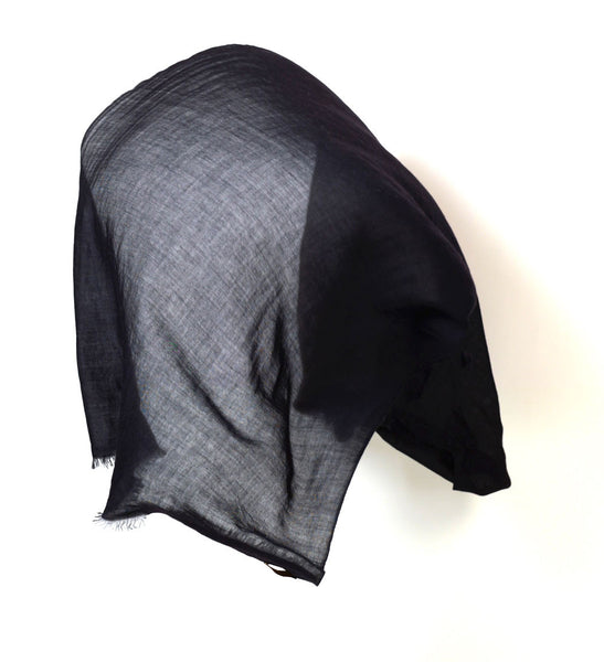scarf of cashmere in black