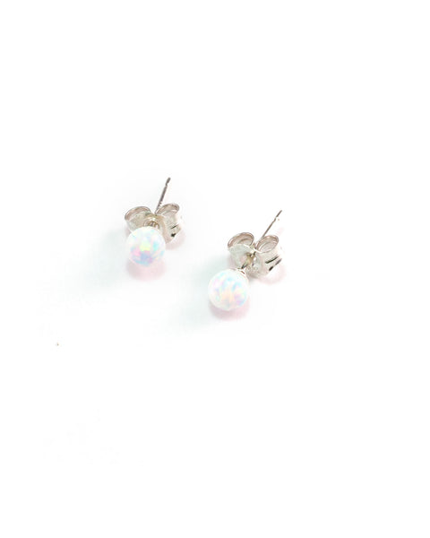 In the Middle Ages, opals were believed to possess all the good charms of the many gemstones that appeared to be inside.