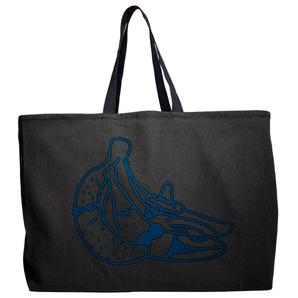 So, for our tote we made something generous, perhaps oversized, with sturdy straps for the ever-optimistic toter.