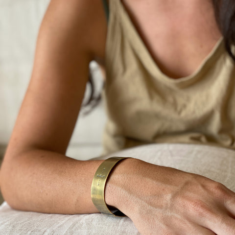 Brass cuff bangle III