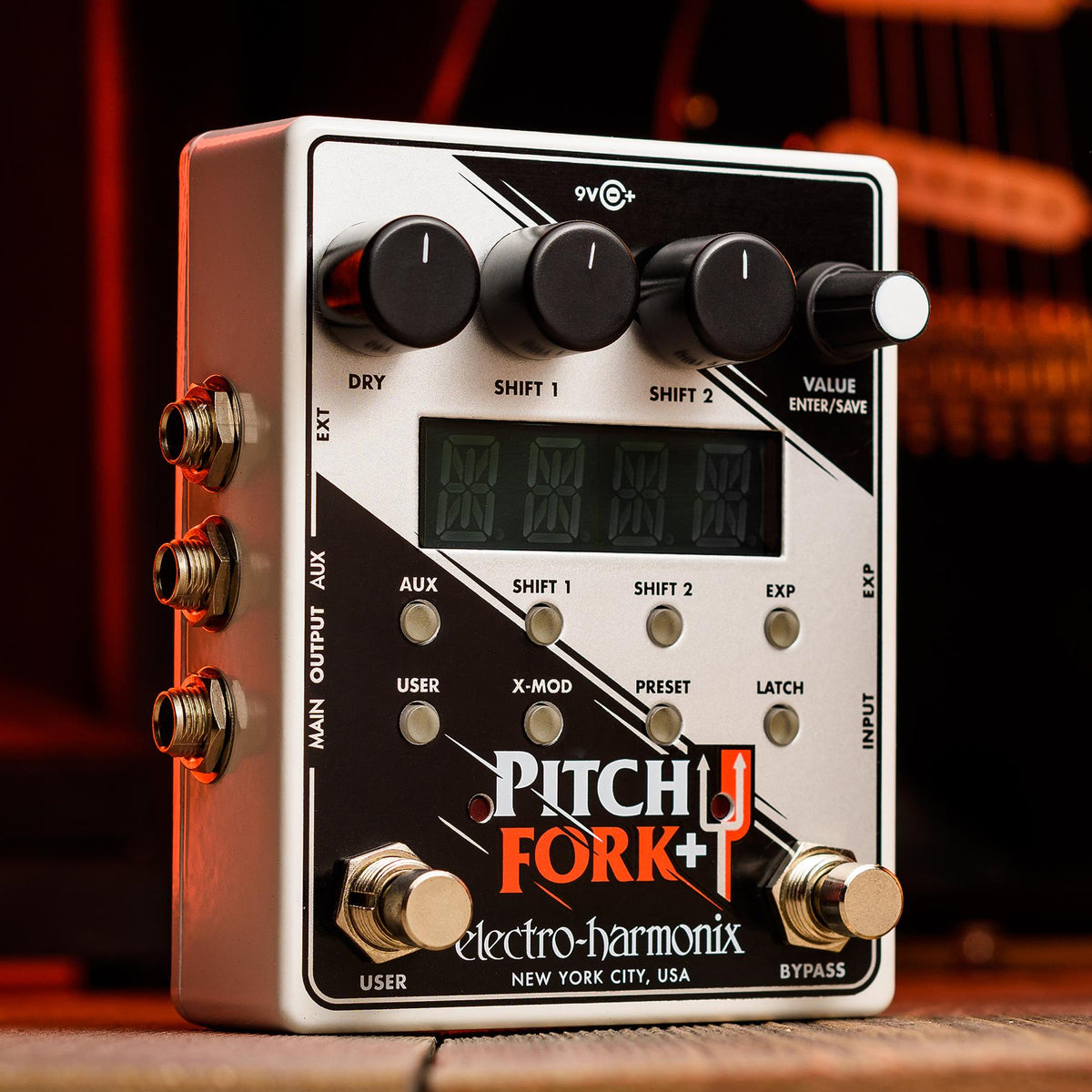 Electro-Harmonix Pitch Fork Plus Polyphonic Pitch Shifter/Harmony Guitar Effects Pedal with 9.6V Power Supply