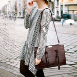 Load image into Gallery viewer, E3179 Woman handbags trendy shopping Fashion shoulder bag