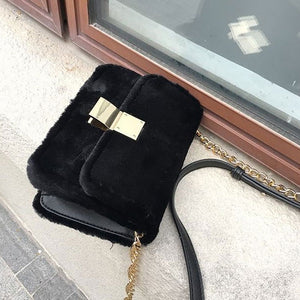 EF018 China supplier new 2020 fashion fluffy handbag sling bags for women girls
