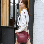 Load image into Gallery viewer, EGL058 Wholesale leather lady handbags wholesale trendy crossbody bag with tassel