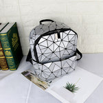 Load image into Gallery viewer, MGD005 2020 New korean version geometric lingge luminous laser ladies backpack bag leather