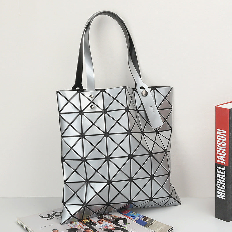 MGD010 Wholesale luxury fashion shoulder bag diamond geometric luminous handbag holographic reflective