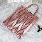 Load image into Gallery viewer, MGD022 2020 Fashion design luminous rhombic geometric woman bags luxury handbags brand leather