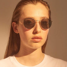 Load image into Gallery viewer, A.Kjaerbede Sunglasses Green/Gold A.Kjaerbede Hello Sunglasses Green/Gold