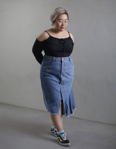 A DIFFERENT TYPE OF DENIM SKIRT