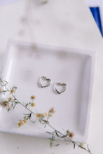 Load image into Gallery viewer, The heart hoops //