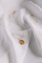 Load image into Gallery viewer, The bouche necklace //