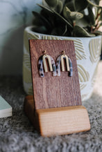 Load image into Gallery viewer, The laiton arch earrings //