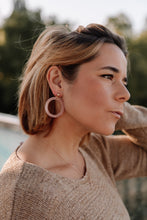Load image into Gallery viewer, Circle acrylic drop earrings //