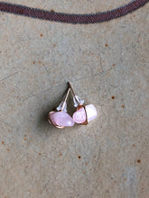 Load image into Gallery viewer, Rose quartz stud earrings //