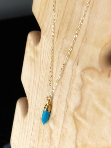 Petite gold electroplated turquoise necklace //
