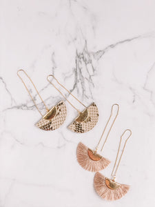 Animal print threader earrings //