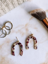 Load image into Gallery viewer, Acrylic tortoise shell arch earrings //