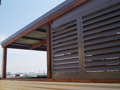Adjustable outdoor Shutters