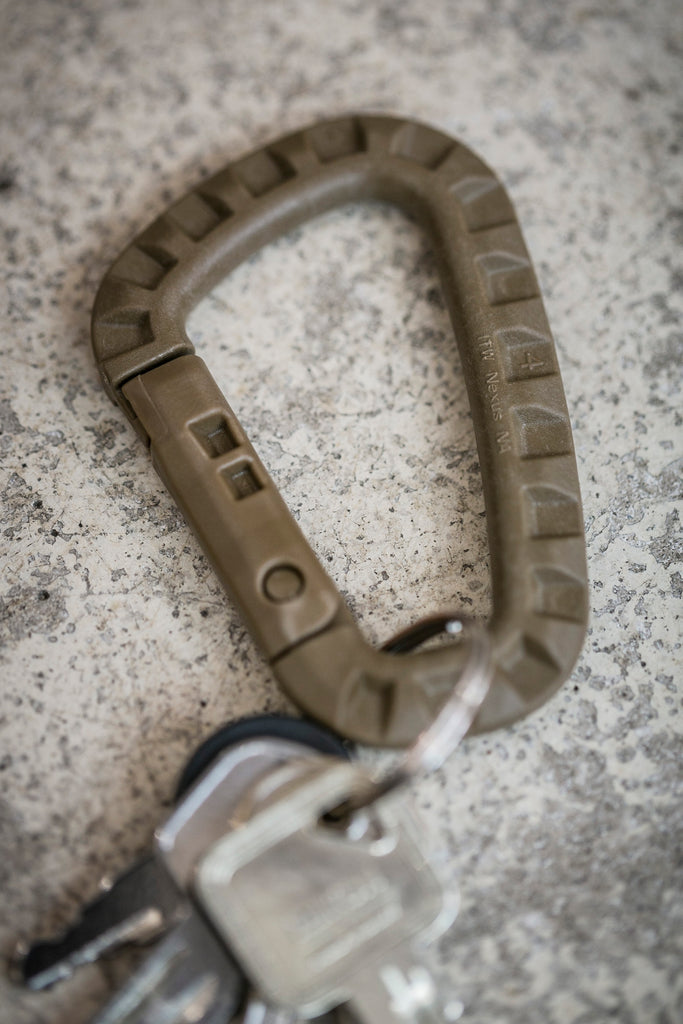 ITW Nexus USA Tac Link Carabiner / Coyote Brown