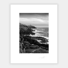 Load image into Gallery viewer, Old Head
