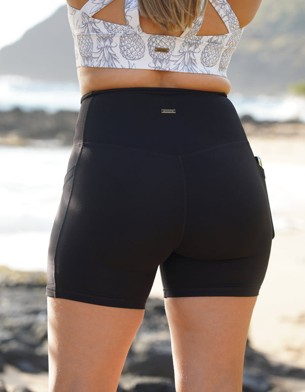 Essential Pocket Shorts - Black