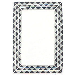 Triangle Pattern Monochrome Mirror