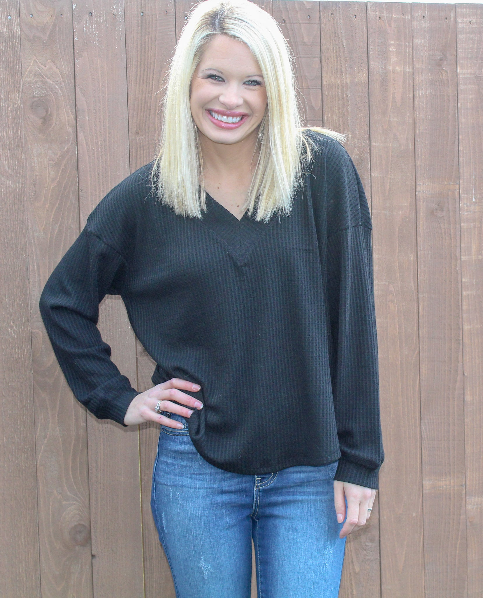 BACK TO BASICS V-NECK SHIFT TOP IN BLACK-Tops-MODE-Couture-Boutique-Womens-Clothing