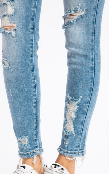 KANCAN MID-RISE DISTRESSED JEAN IN LILAH WASH-Jeans-MODE-Couture-Boutique-Womens-Clothing