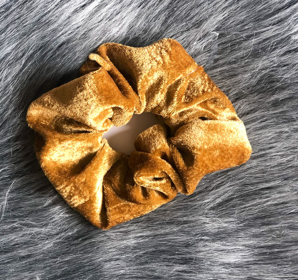 SCRUNCHIE-Accessories-MODE-Couture-Boutique-Womens-Clothing