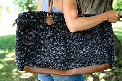 AUSTIN SHERPA WEEKENDER IN CHARCOAL-BAG-MODE-Couture-Boutique-Womens-Clothing