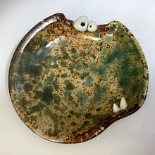 Load image into Gallery viewer, Ooglie Eye Spoon Rest - Cream Rust Glaze - Fangs - Wonky