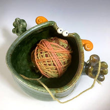 Load image into Gallery viewer, Handy Yarn Yeti - Oscar Glaze - OrangeHorns