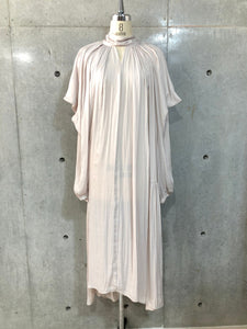DRAPE VOLUME DRESS