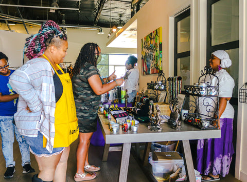Shopping with Luna Love Nest at the Melanin Market LV