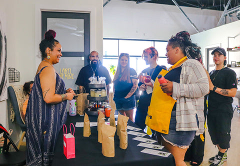 Shopping with Hobagtea at the Melanin Market LV