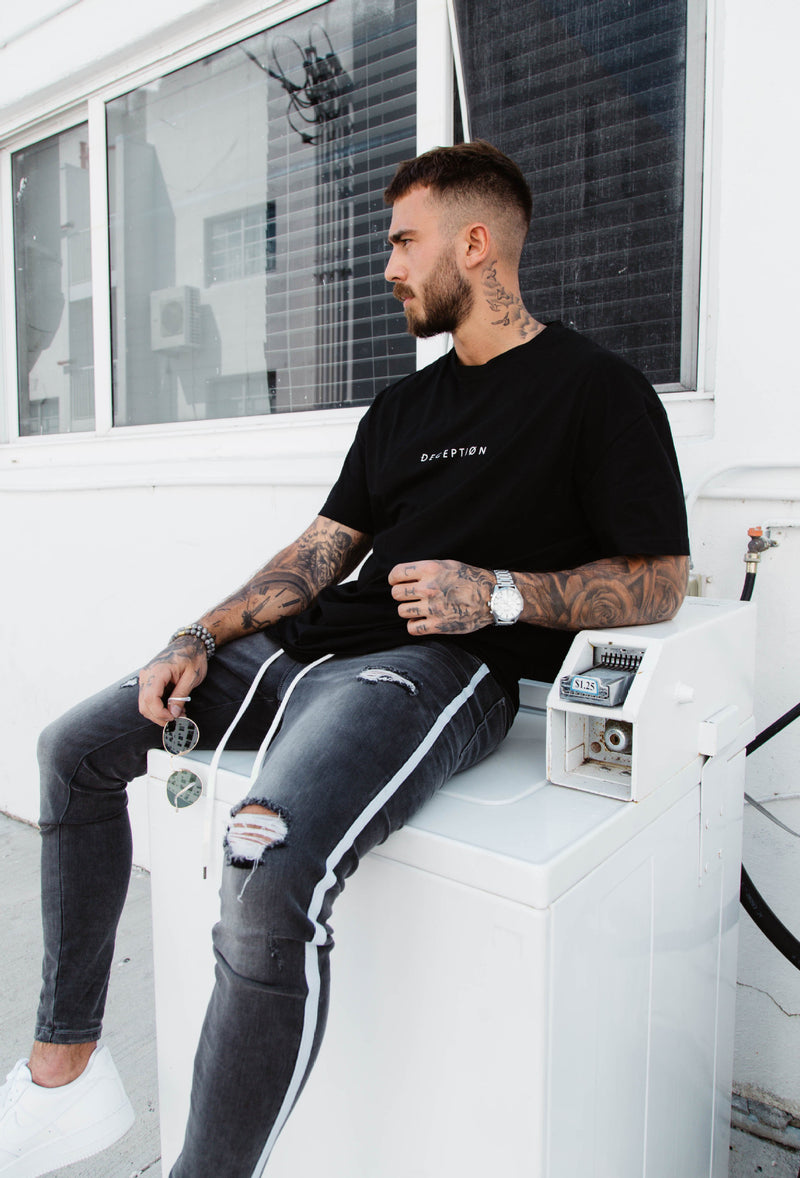 Skinny Ripped Jeans in Grey
