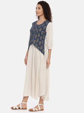 Load image into Gallery viewer, Arana Women's Cotton Kurti Dual Color With 3/4 Sleeve With Elastic Gathering