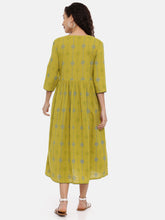 Load image into Gallery viewer, Arana Women's Cotton Flax Kurti 3/4 Sleeve With Full Body Print and Front Full Button