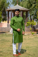 Load image into Gallery viewer, Arana Men's Giza Cotton Green Colour Kurta Pyjama Set